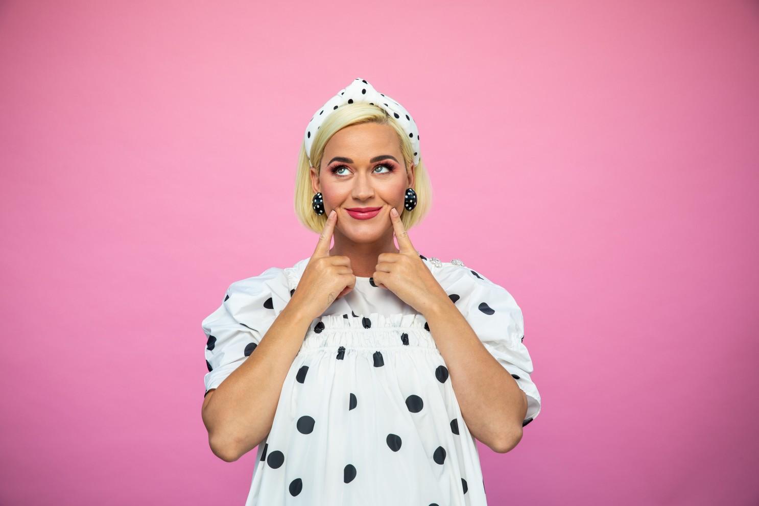 "Katy Perry objavila iščekivani album ""Smile"""