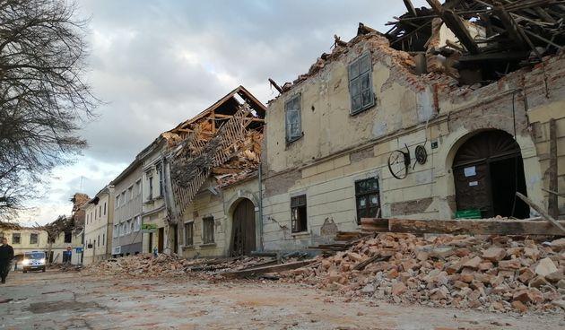 Dva nova jača zemljotresa i jutros u Petrinji