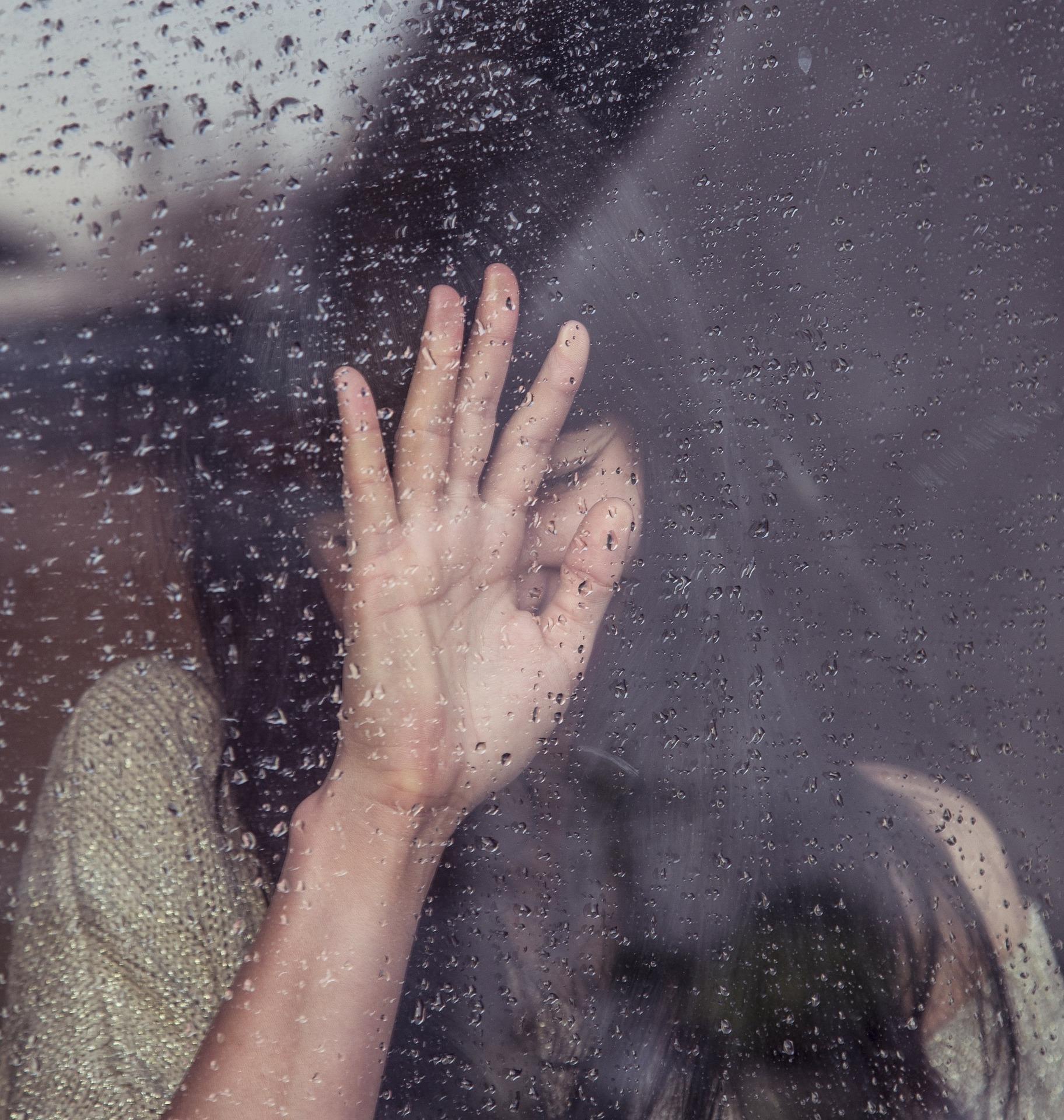 Spava vam se, neraspoloženi ste zbog kiše? Ne brinite, to je normalno